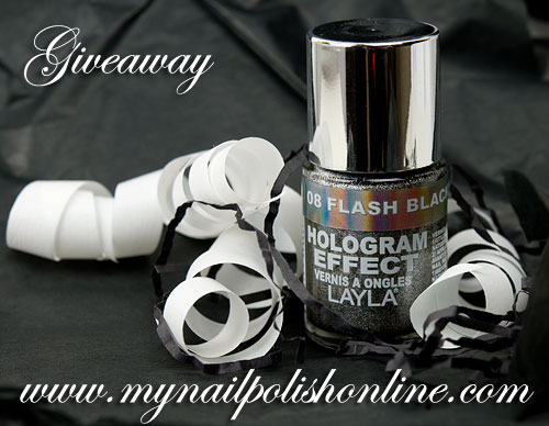 Giveaway - Layla Flash Black