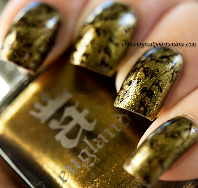 #busygirlnails - Week 1 Antique Gold Picture taken in sunlight
