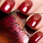 OPI - Red Fingers & Mistletoes
