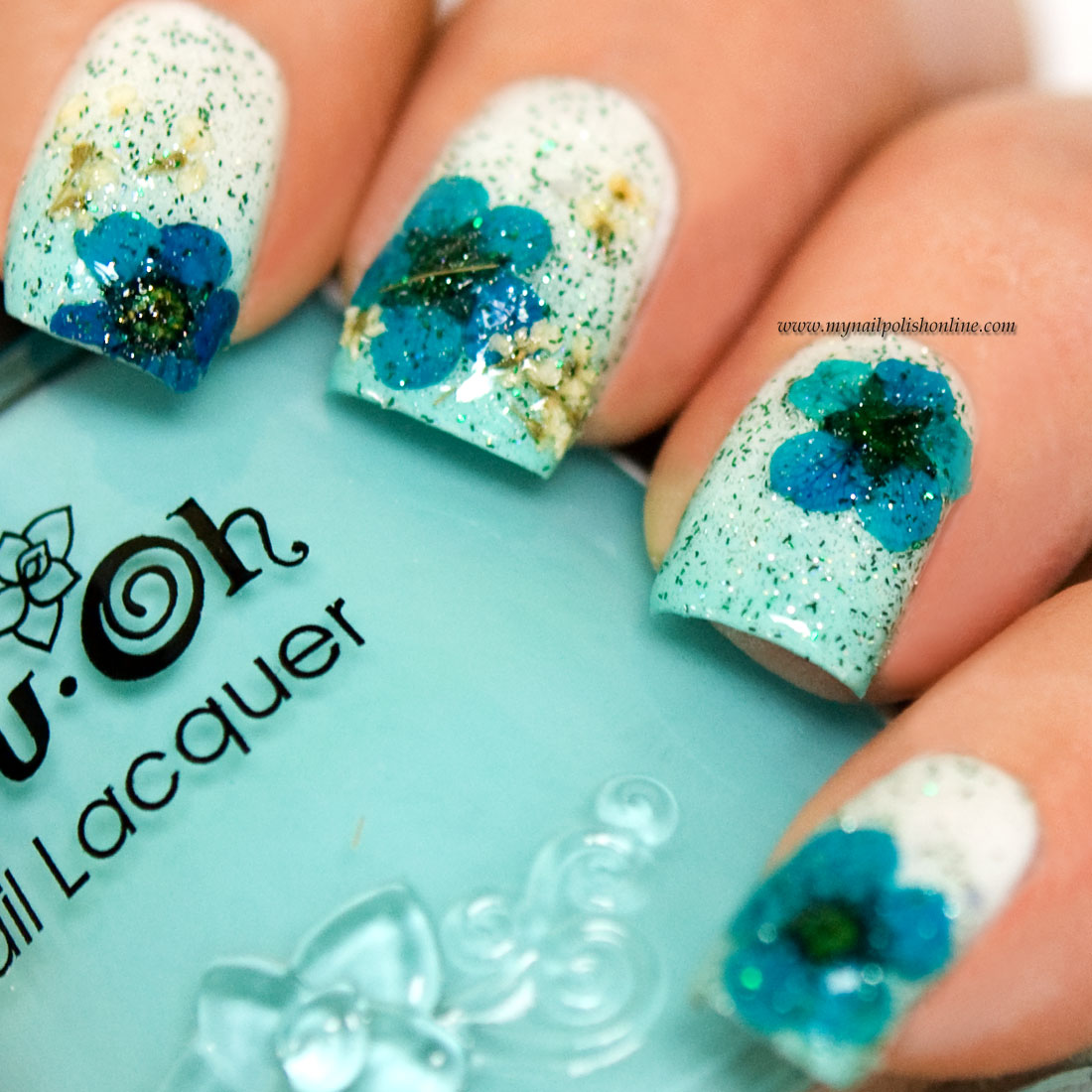 Nail Art - Floral design with dry flowers - My Nail Polish Online