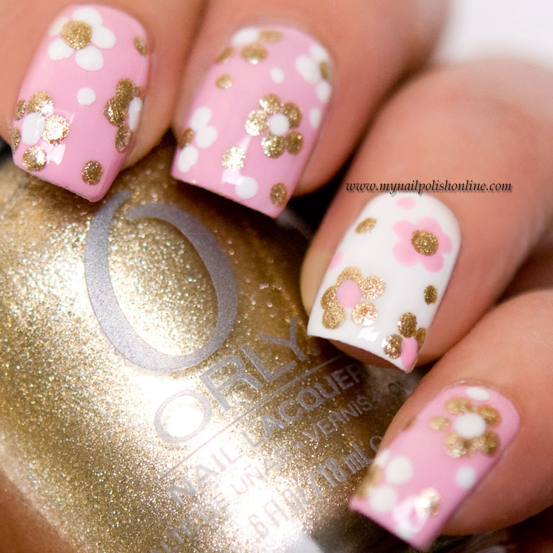 Floral manicure for spring