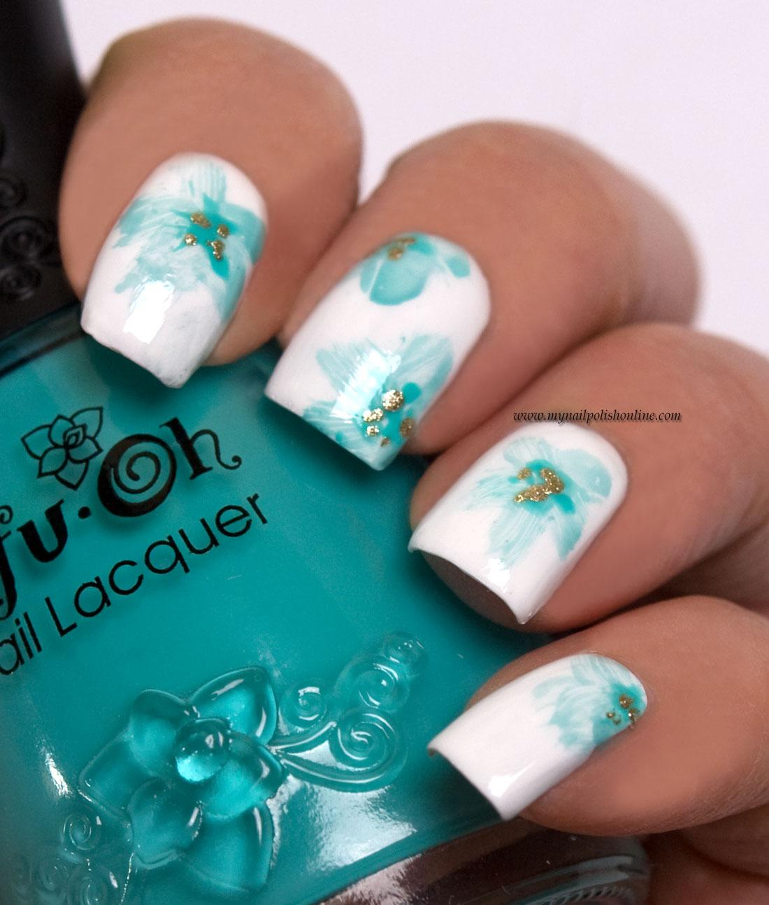 Floral Manicure Using The Watercolor Technique