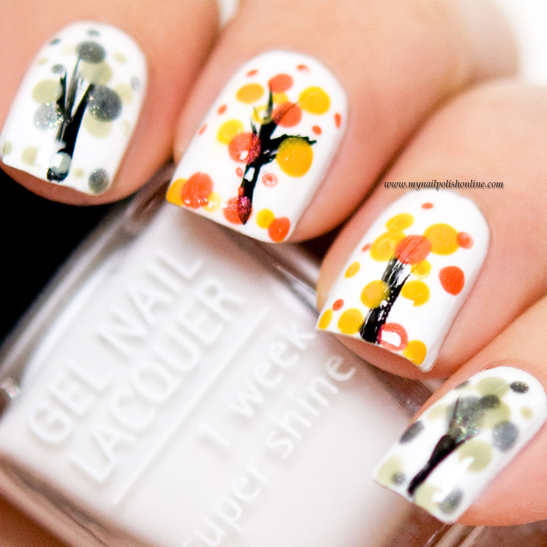 Nail Art - Trees during Autumn