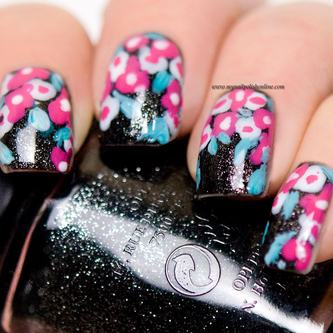 Nail art - flowers on black