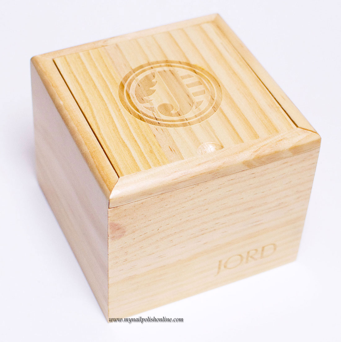 The watch comes in a wood box