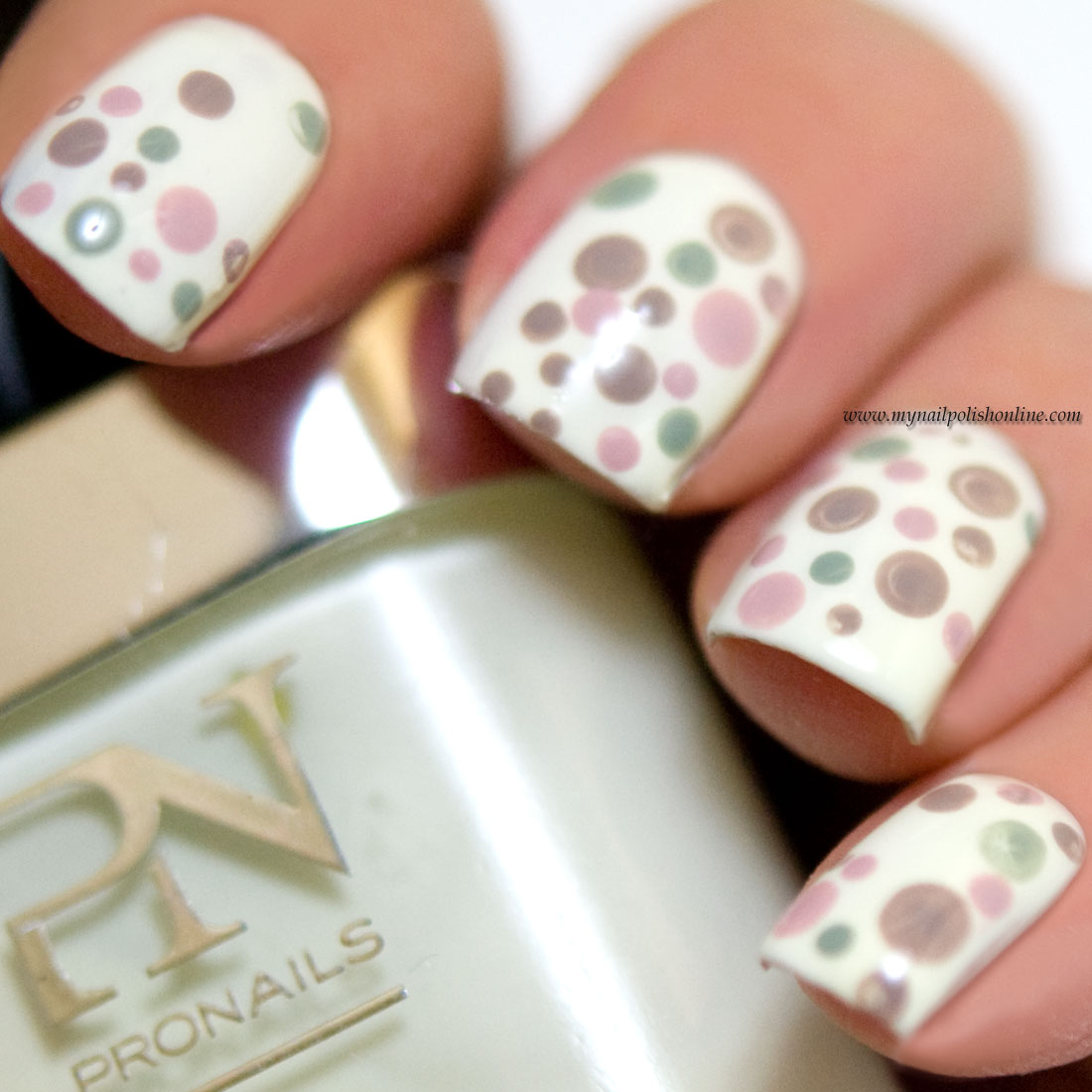 Nail Art Sunday - Dotticure