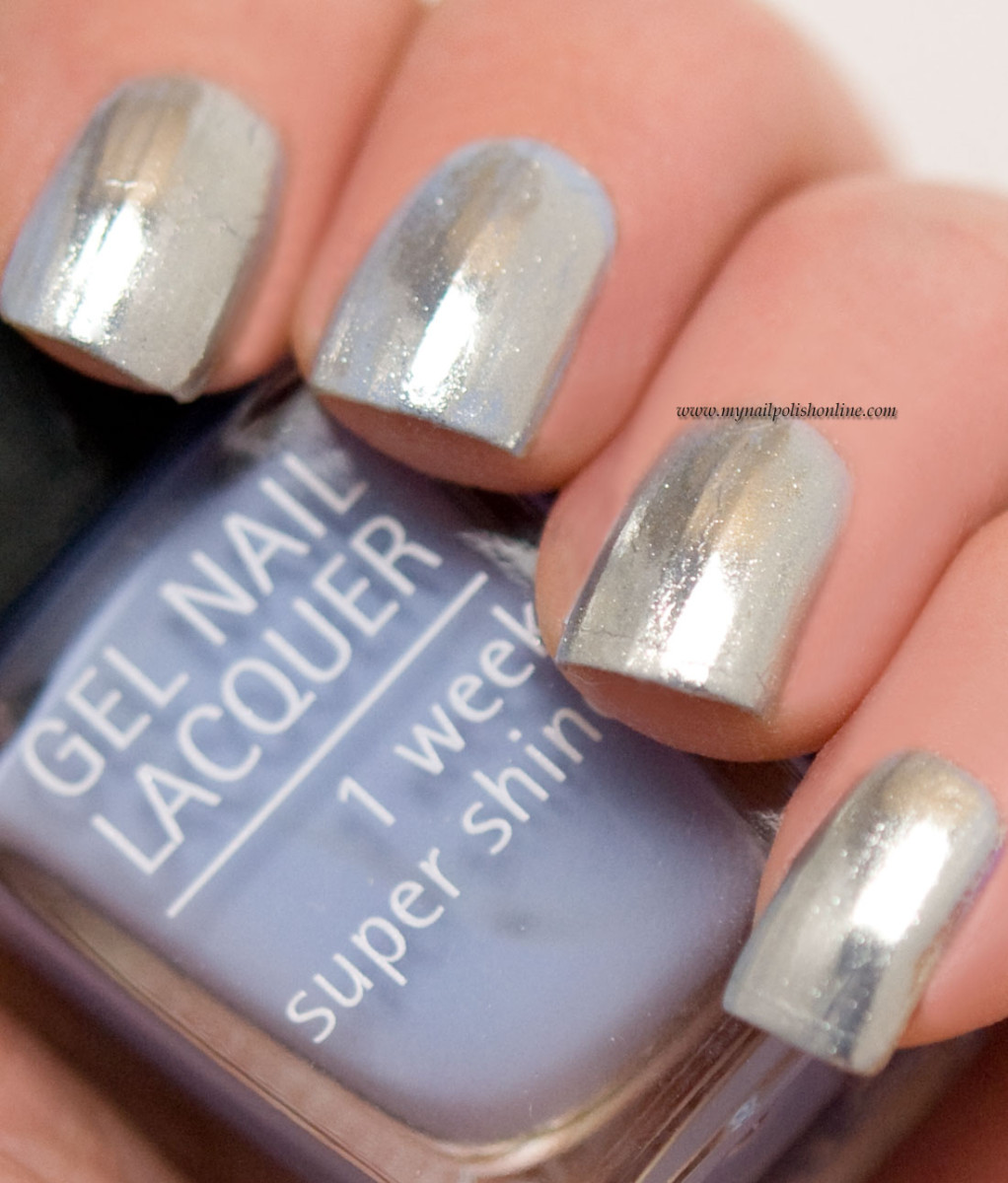 Chrome powder from IsaDora - My Nail Polish Online