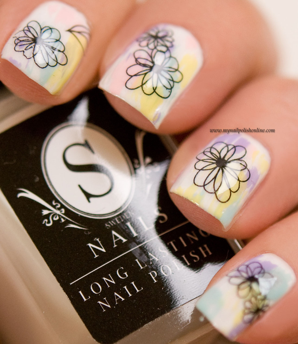 Nail art with water decals from Saijtam.se