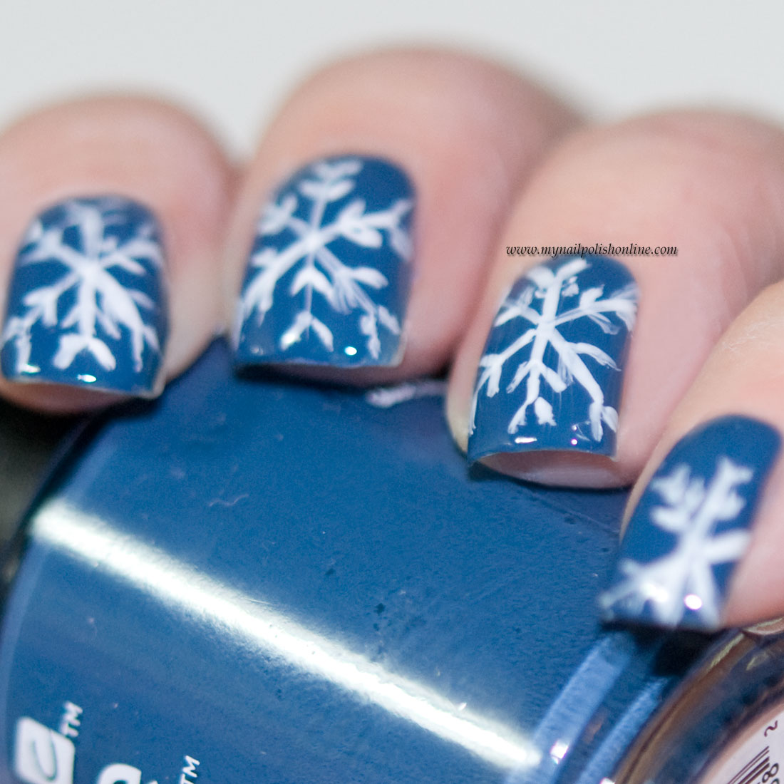 Snowflakes on nails